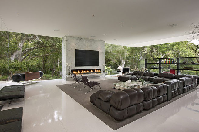 Luxury and Comfort Living Room with Gass Walls Glass Pavilion