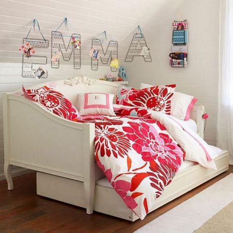 Minimalist White Dorm Room 2011