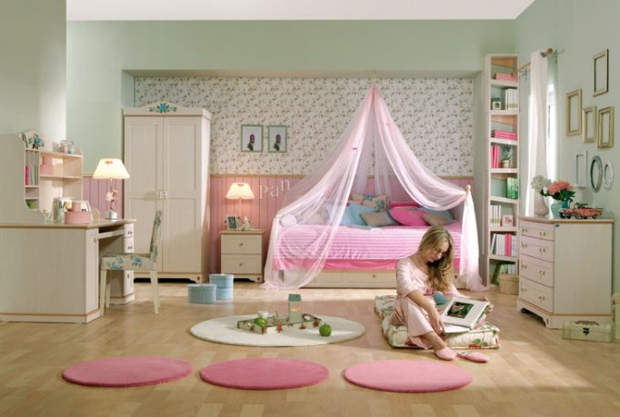 Pink Teen Bedroom with Valance and Round Rug