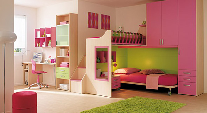Pink and Green Badroom Decoration