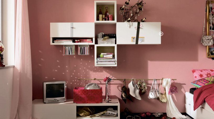 Pinky Trendy Teen Bedroom with White Bookcase