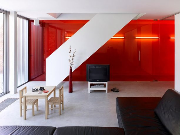 Awesome Red Wall Living Room Design