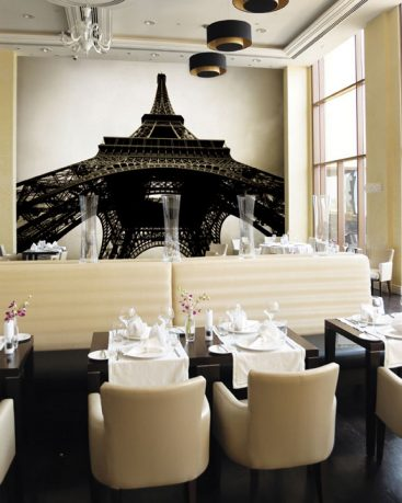 Eiffel Tower Wallpaper Decoration in Restaurant