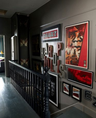 Arrange a Gallery on the Stairs Decorations