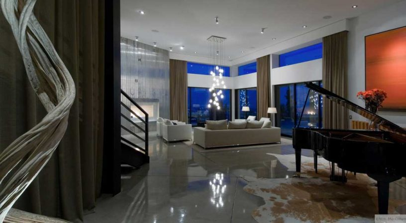 Great Living Room Lighting with Piano