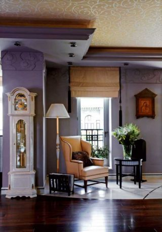 Traditional and Luxury Living Room with White Stand Clock Decor