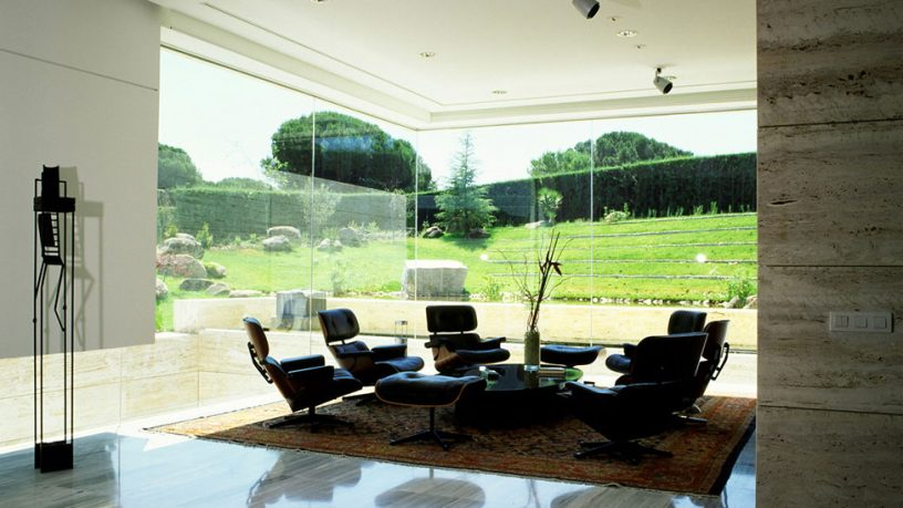 Space for Meetings Area with Glass Wall Ideas