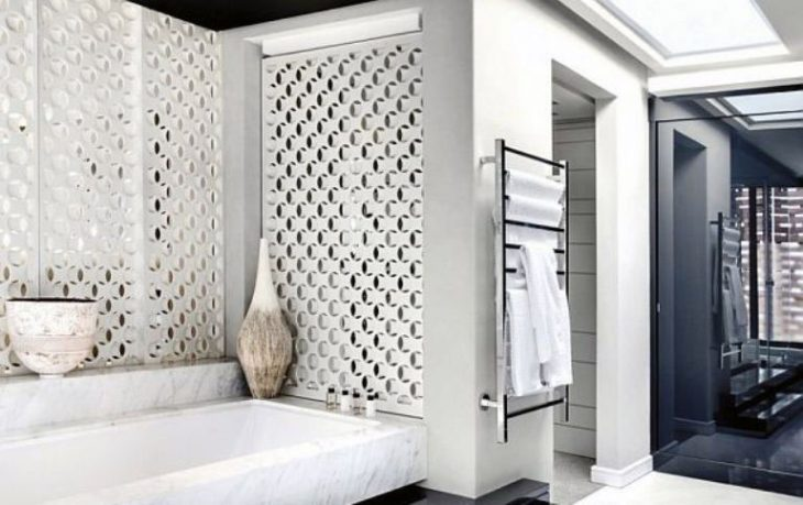 Luxurous White Black Bathroom Design