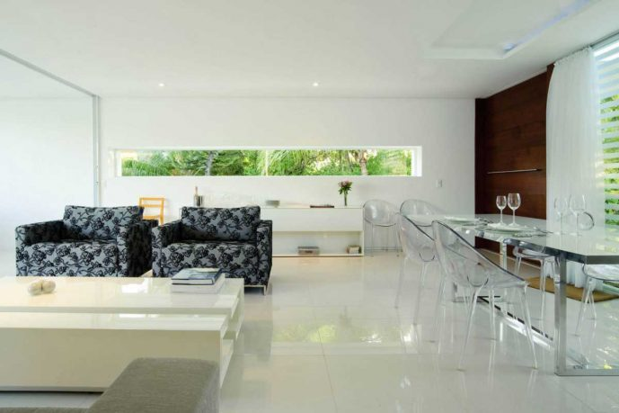 Transparant Chairs and Dinning Table Set
