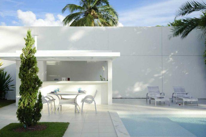 Tropical White House Design Inspirations