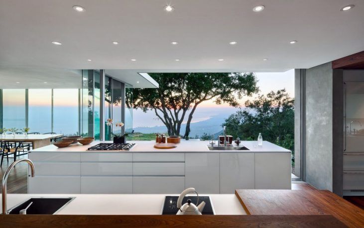 Modern White Kitchen Furniture with Beautiful Natre View
