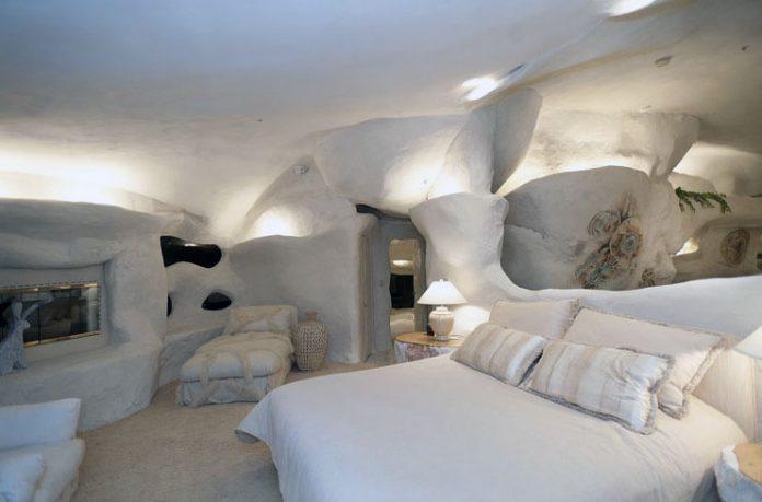 Cozy Cave Bedroom Flintstone House Design