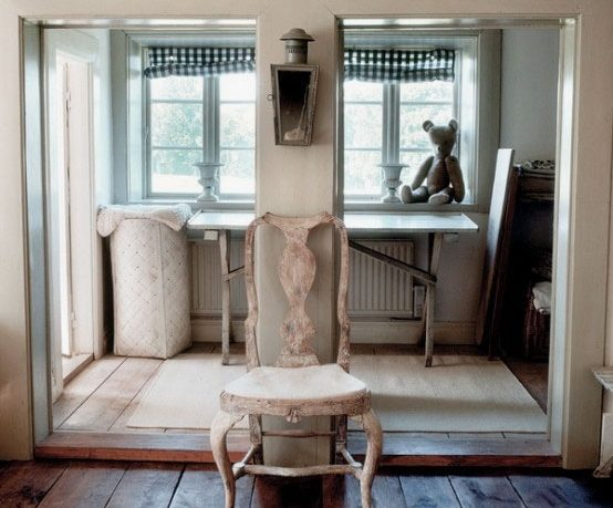 Vintage House Design with Rough Furniture