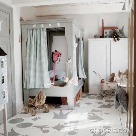 Vintage Kids Bedroom Design with Unique Bed