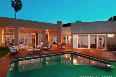Luxurious Modern Home Design with Fascinating Pool