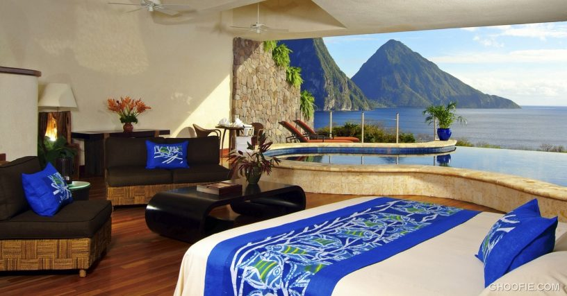 Master bedroom Lounge with Amazing Montain View