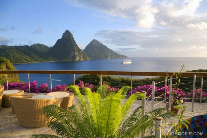 Outdoor Lounge Resort with Amazing Jade Mountain View