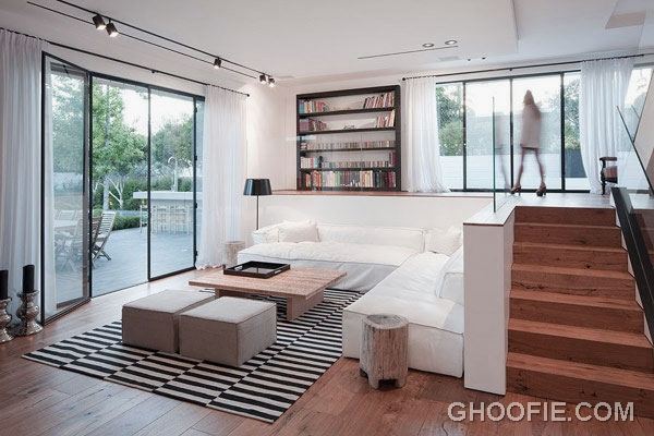Double High Living Room for Modern Family House Design Ideas