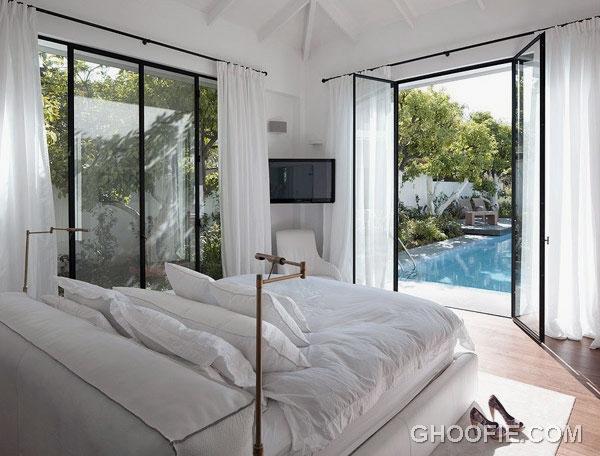 Gorgeous White Bedroom for Modern Family House Design Ideas