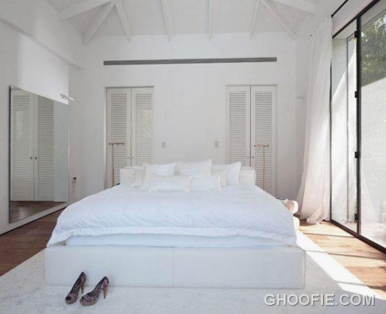 White Master Bedroom for Modern Family House Design Ideas