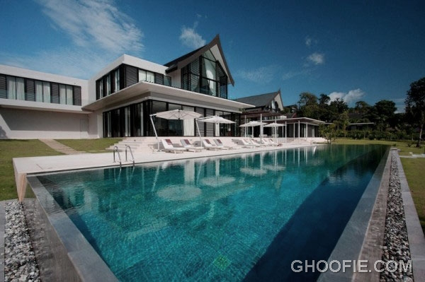 Appealing Luxurious Phuket Home Design with Stunning Pool Ideas