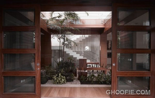 Contemporary Entrance Residence Design Ideas with Sliding Doors