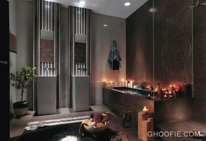 Unique Romantic Bathroom with Candle Decor