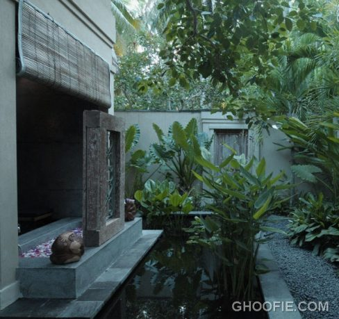 Fascinating Villa Design Ideas with Stone Bathroom