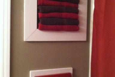 Elegant bathroom towels storage