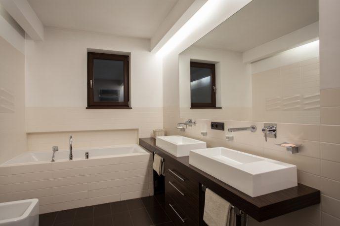Bathroom with nice recessed lighting