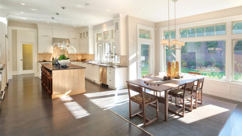 Natural light dining room and kitcen