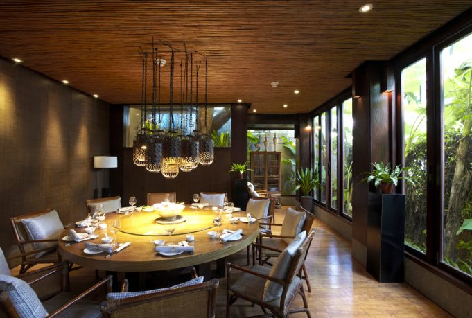 Rustic dining room with great nature view