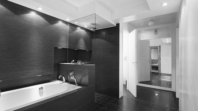 Modern black and white bathroom concept