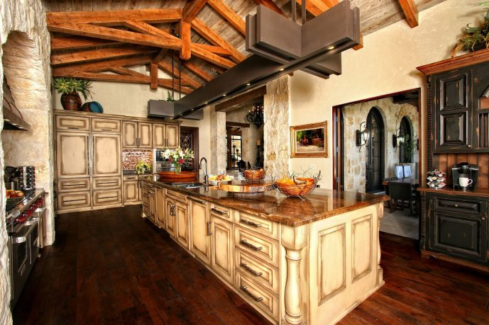 Rustic kitchen design with island